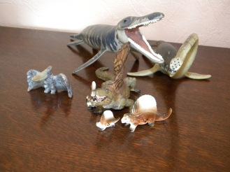 Ptéranodon, famille de dimetedons, kronosaurus et elasmosaure. Crédit : Chris Bellabas
