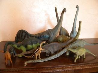 Longs-cous collection Safari, Schleich, Papo. Crédit : Chris Bellabas